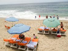 beach-side-service-at-pacific-edge-hotel-laguna-beach - Kopie